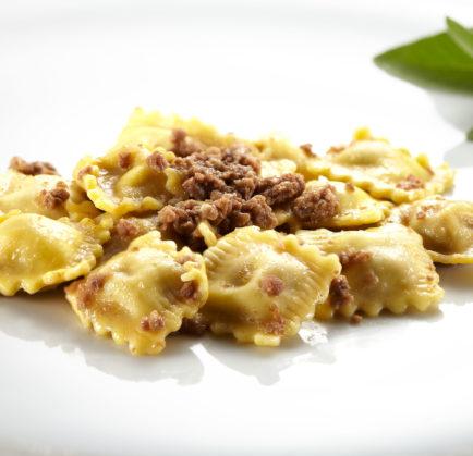 Dalla cucina di Tenuta Montemagno – Agnolotti al ragù d'arrosto